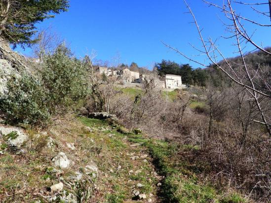 A l'approche du hameau de Conjols
