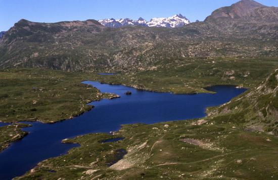A la redescente du sommet du Taillefer, le lac Fourchu
