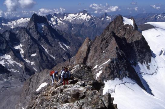 Le vallon de la Selle et le Pic de la Grave vus depuis l'itinéraire de montée au Râteau occidental