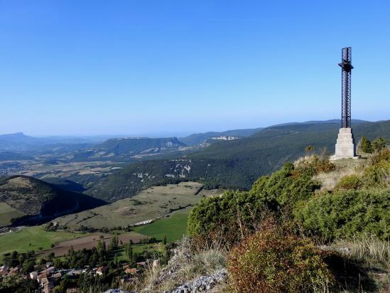 Sur le belvédère de la Croix du Vellan (vallée de la Gervanne)