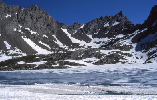 Le lac des Neuf-Couleurs