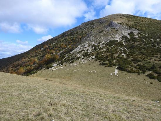 Au col Garéou, vue sur les contreforts W de la montagne d'Angèle