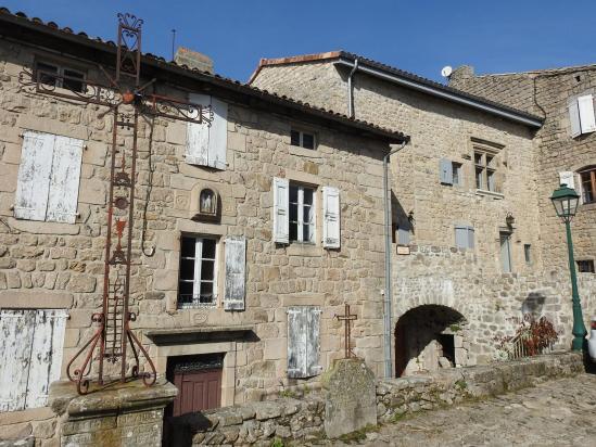 Visite du bourg médiéval de Chalencon