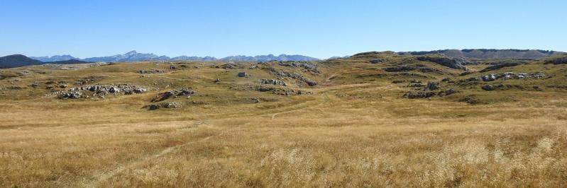 Le plateau karstique de Font d'Urle vu depuis la Porte d'Urle