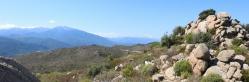 Au sommet du Puig Pedros (au fond, le massif du Canigou)