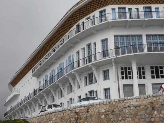 A l'entrée de Cerbere l'hôtel Art Déco Belvédère du rayon vert
