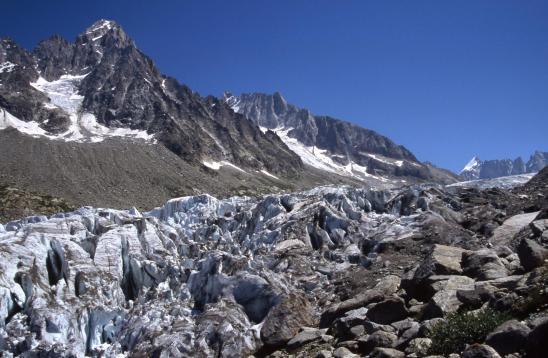 En bordure du glacier d'Argentière lors de la descente vers Lognan