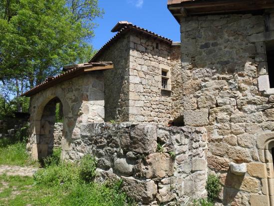 Au creux des gorges de la Daronne, le hameau de Saint-Sorny