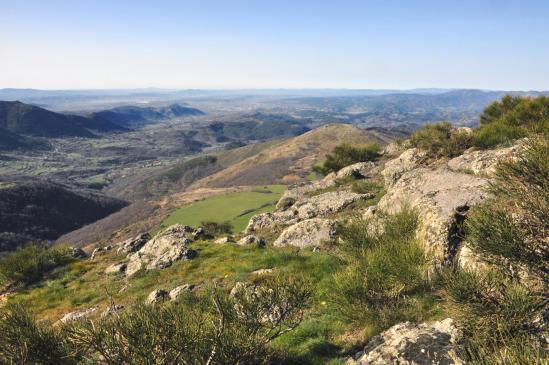 Au sommet du Roc de Gourdon (vue sur Aubenas)