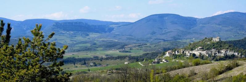 La vallée de la Gervanne vue depuis le sentier du col de l'Armurier au col de la Boîte