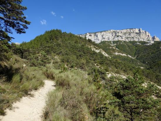 La montagne du Glandasse vue depuis le sentier de descente vers Peyrol