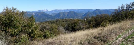 Vue sur les Trois-Becs et Couspeau depuis le sommet du Mont Rachas