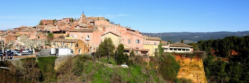 Au pays des ocres, le village de Roussillon