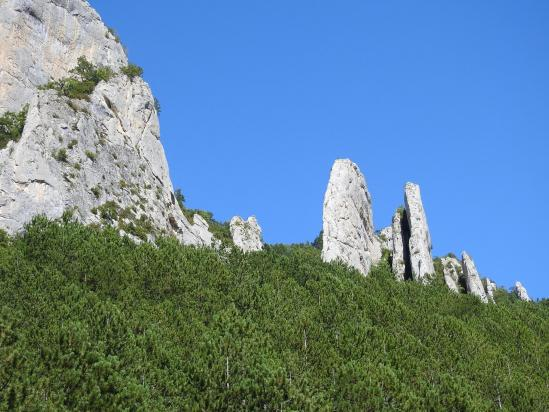 Les Rochers de St-Michel vus depuis la route de retour