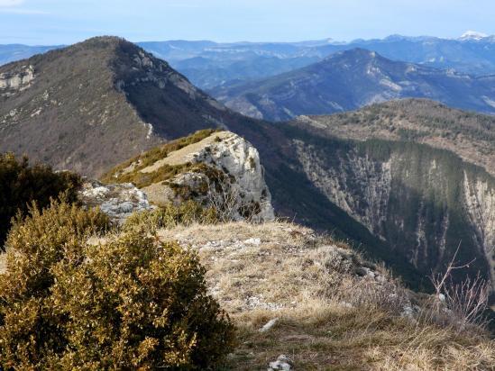 Au sommet de la montagne de Faraud côté NW
