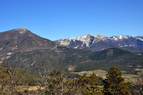 Sur les crêtes de la montagne de Desse (But de l'Aiglette, But Sapiau et la falaise des Econdus)