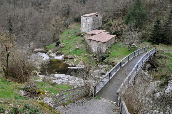 Entre Poumarat et Le Sablas, passage au Pont du Moulin