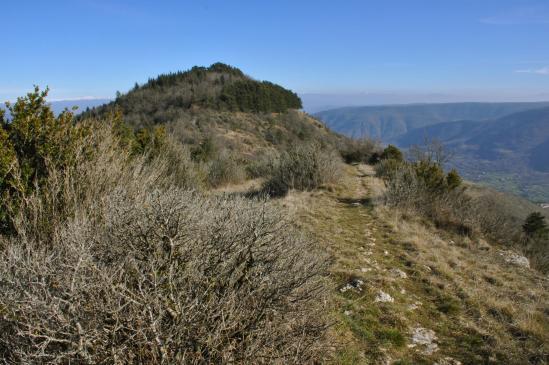 Sur le fil de la crête de la montagne de Charray