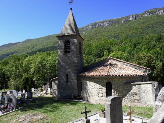 L'église d'Omblèze au hameau des Boutons