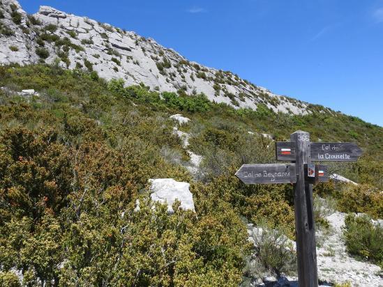 Au pied du col de Saint-Ange (séparation des sentiers)