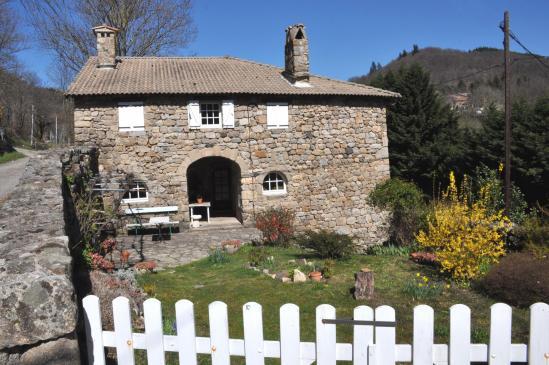 Le hameau du Mazel (Saint-Joseph-des-Bancs)