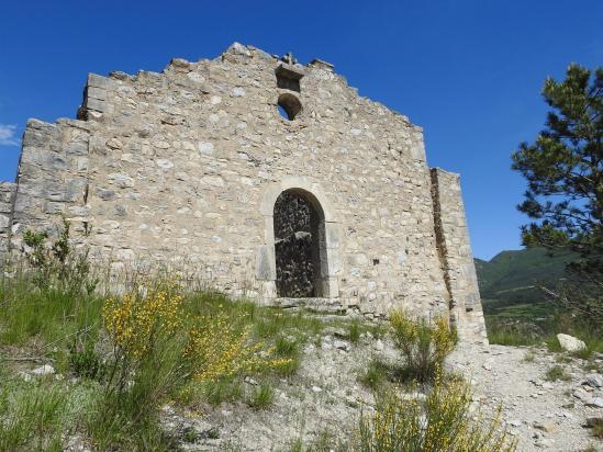 La chapelle des Pénitents au-dessus de Barret-sur-Méouge