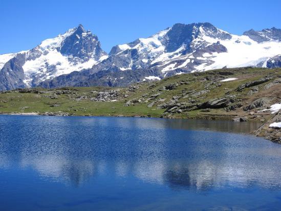 Le lac Noir du plateau d'Emparis