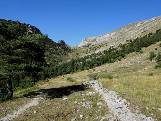 Au coeur du vallon de la Grande Plâte sous le col de Seysse