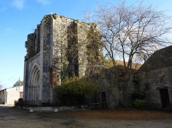 Château-Landon (la Tour Ruinée)