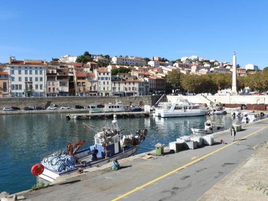 Sur les quais de Port-Vendres
