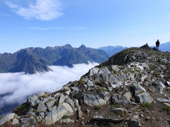 La chaîne de Belledonne vue depuis le sommet du Grand Galbert