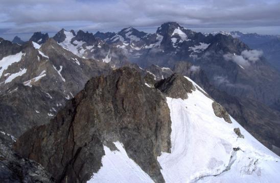 Au sommet de la montagne des Agneaux, vue plongeante sur la Calotte des Agneaux