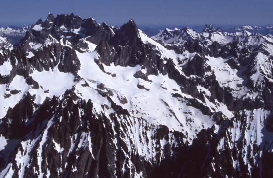 La Meije vue depuis le Dôme de Neige des Ecrins