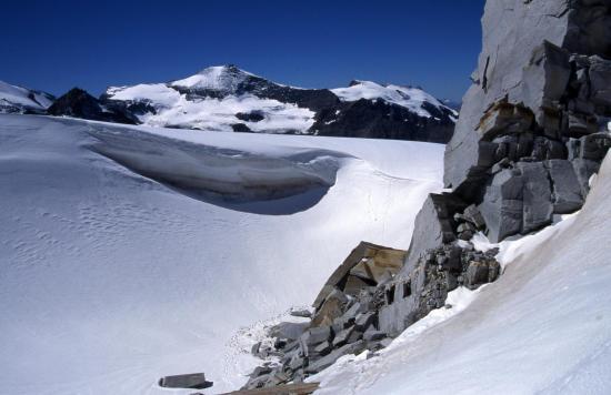 Sur le glacier de Grand Méan au milieu de la traversée Carro - Evettes