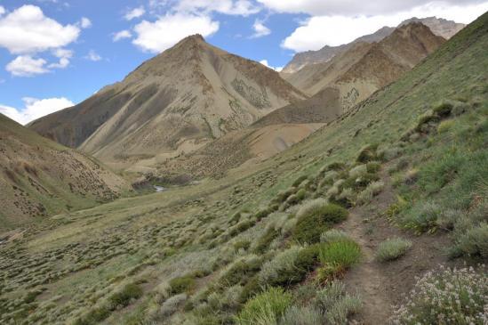 Vallée de la Niri Chu (départ du sentier du Lar La)