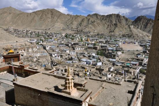La ville de Leh vue depuis la terrasse du Royal Palace