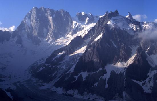 Les Grandes Jorasses, le glacier du Mont Mallet et l'Aiguille du Tacul vus depuis le refuge du Couvercle