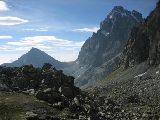 Le Viso et le Visolotto vus depuis le chemin qui conduit au lagho Superiore