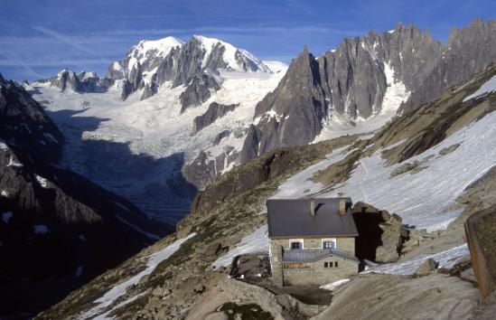 Le Mont-Blanc et le Mont-Blanc du Tacul vus depuis le refuge du Couvercle