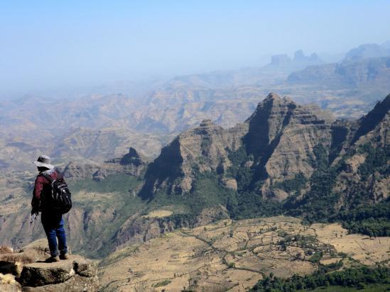 Tewodros sur l'un des belvédères