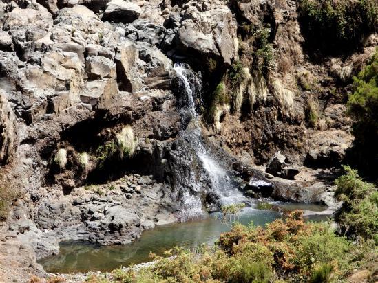Les cascades enchanteresses de la rivière Jinbar
