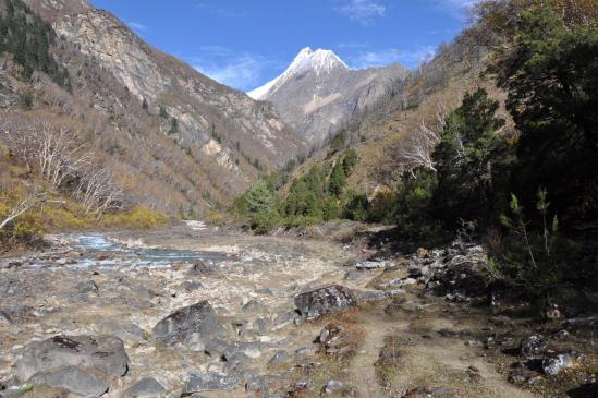 Dans la vallée de la Yulng khola