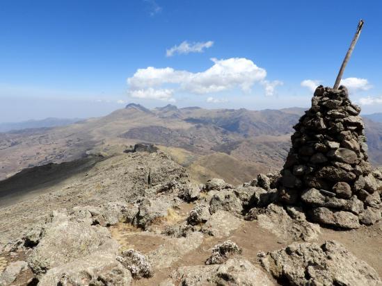 Au sommet du Ras Bwahit
