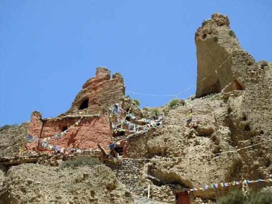 A l'approche du site religieux de Luri gonpa