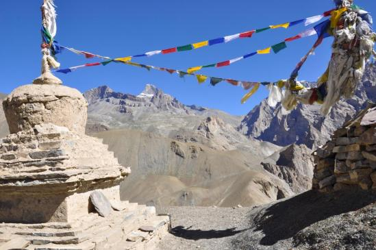 Vue arrière sur le Sengge La depuis le Chuchokhuri La (3970m)