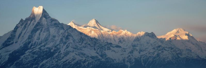 Coucher de soleil sur le massif des Annapurna dégusté depuis Mohare danda