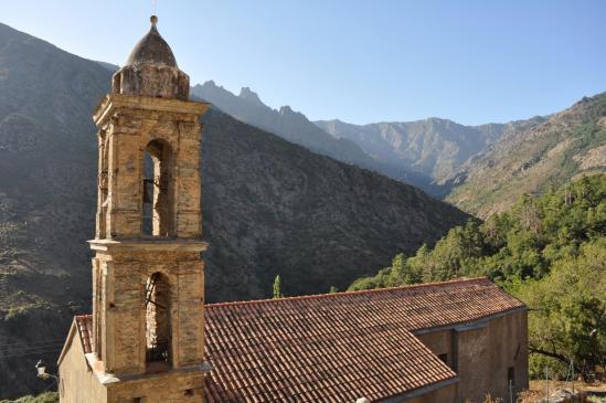 L'église du village d'Ascu
