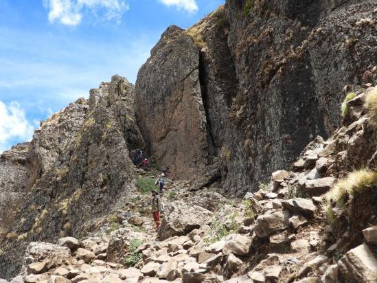 La fin de la voie de descente du plateau de Mitili