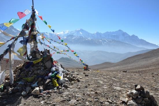 Passage du Gyu La (Annapurna I, Tilicho peak et Nilgiri N)