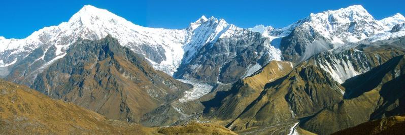 La chaîne de montagnes du Langtang vue de Ngegang kharka